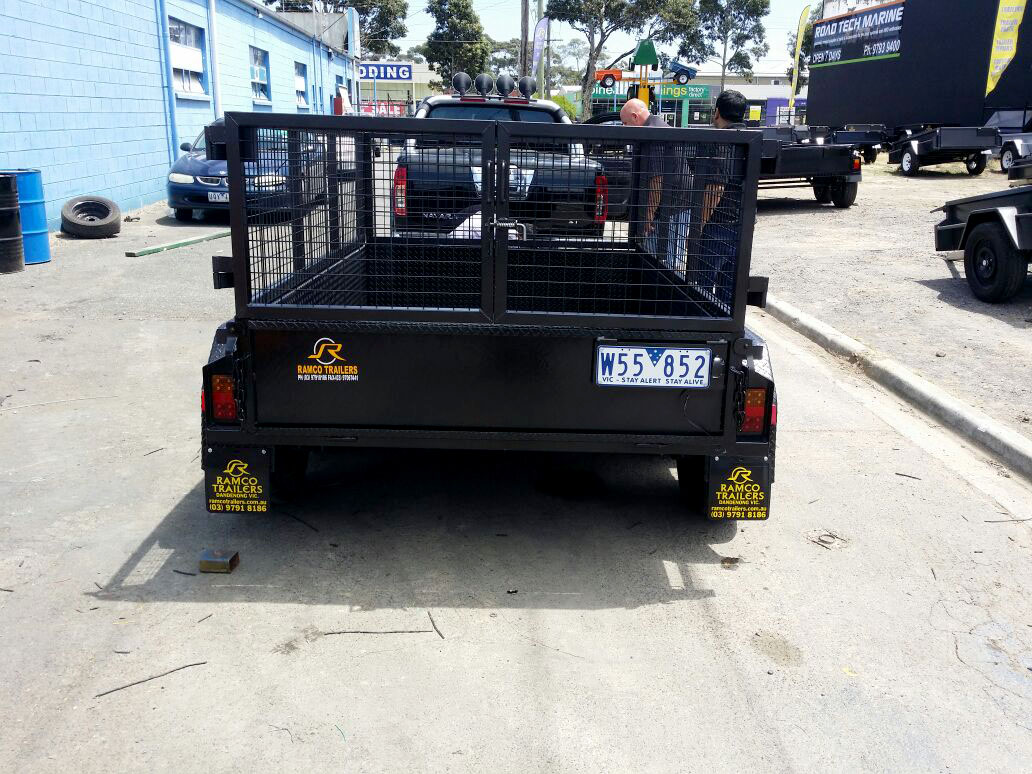 8x5 Tandem Trailer with Custom Cage fittings
